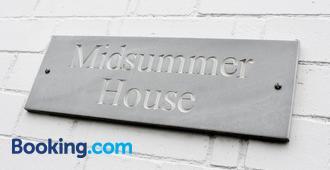 Midsummer House - Stratford-upon-Avon - Building