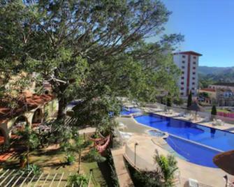 Hotel Mantovani - Águas de Lindóia - Pool