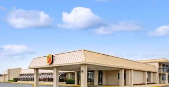 Super 8 by Wyndham Norfolk/Chesapeake Bay - Norfolk - Edificio