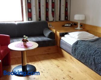 Hotell Toppen - Storuman - Bedroom