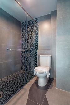 阿特利爾套房酒店 - 曼谷 - 曼谷 - 浴室
