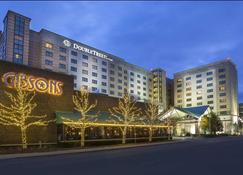DoubleTree by Hilton Chicago O'Hare Airport - Rosemont - Ρόουζμοντ - Κτίριο