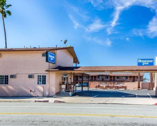 Rodeway Inn San Bernardino - San Bernardino - Building