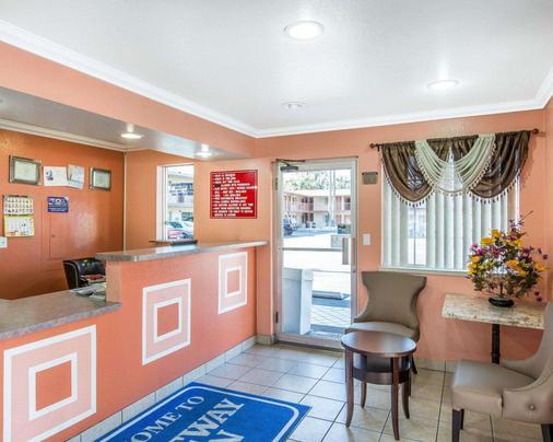 Rodeway Inn San Bernardino - San Bernardino - Front desk