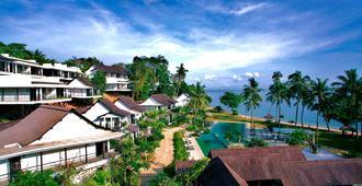 Turi Beach Resort - באטאם קוטה