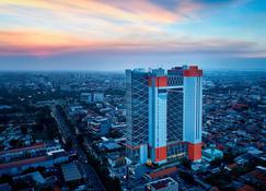 Fairfield by Marriott Surabaya - Сурабая - Вид снаружи