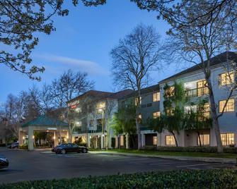 Courtyard by Marriott Stockton - Stockton - Gebäude