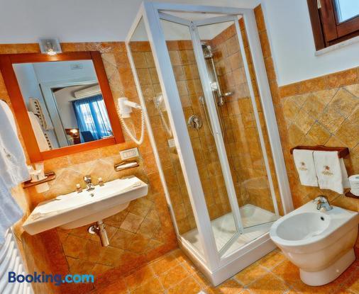 La Plumeria Hotel - Cefalù - Bathroom