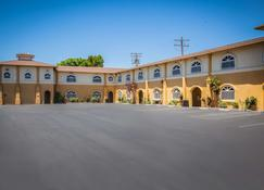 Best Western Bishop Lodge - Bishop - Edifício