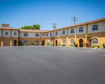 Best Western Bishop Lodge - Bishop - Building