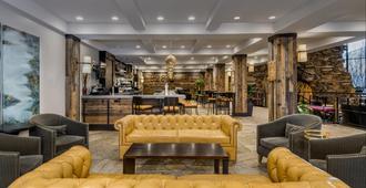 Crowne Plaza Resort Asheville - Asheville - Oleskelutila
