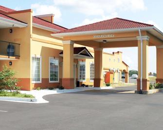 Quality Inn & Suites Greenville I-65 - Greenville - Gebouw