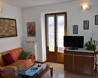 Casa Giuliana - Teglio - Wohnzimmer