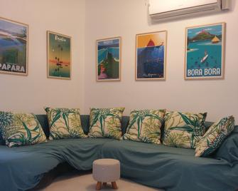Paofai Guesthouse - Papeete - Wohnzimmer