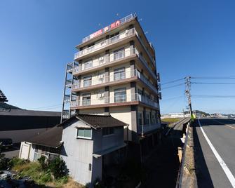OYO Hotel Tsuru Sendai - Satsumasendai - Gebouw