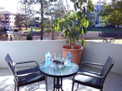 棕櫚閣汽車旅館 - 馬克夸立港 - 麥覺里港 - 陽台
