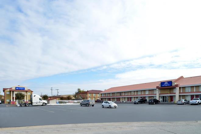 Americas Best Value Inn Tulsa West - Tulsa - Edificio