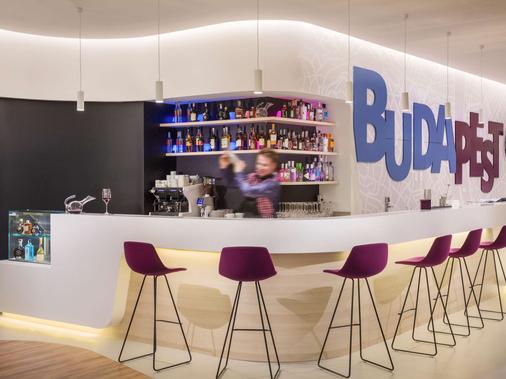 ibis Styles Budapest Airport - Budapest - Bar