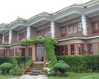 Niva Niwa Lodge - Nagarkot - Building
