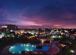 Mövenpick Ambassador Hotel Accra - Accra - Ložnice