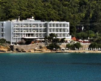 Golden View Beach Hotel - Póros - Building