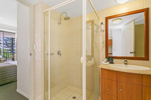 Mantra Coolangatta Beach - Coolangatta - Bathroom