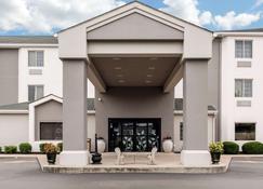 Sleep Inn & Suites - Columbus - Building