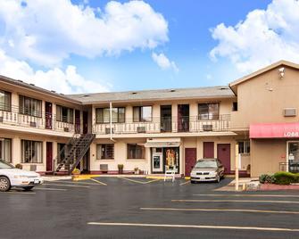 Rodeway Inn Convention Center - Portland - Building