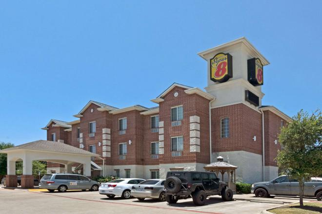 Super 8 by Wyndham Austin/Airport South - Austin - Toà nhà