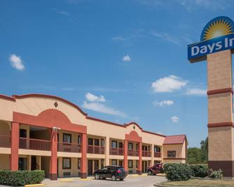 Days Inn by Wyndham Temple - Temple - Building