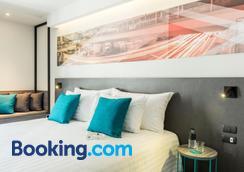 X2 Vibe Bangkok Sukhumvit Hotel - Bangkok - Bedroom