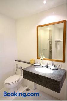 Kameo Grand Rayong Hotel & Serviced Apartments - Rayong - Μπάνιο