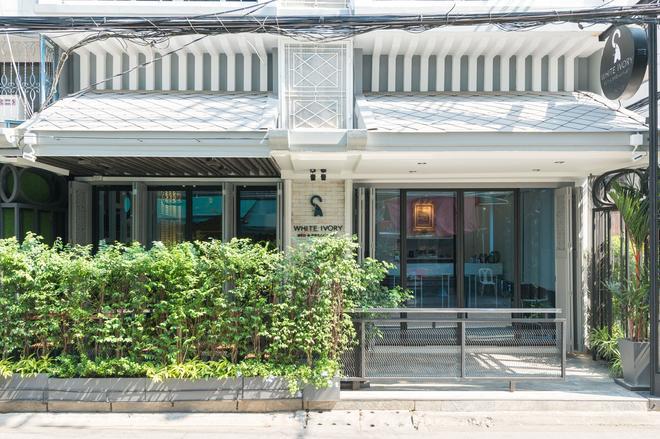 White Ivory Bed & Breakfast - Bangkok - Building