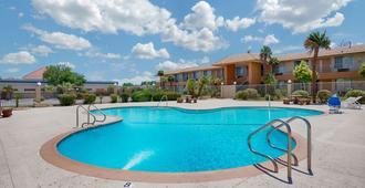 Knights Inn Palmdale Lancaster Area - Palmdale - Pool