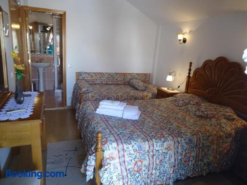 Hotel Aviz - Figueira da Foz - Bedroom