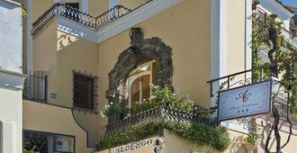 Albergo California - Positano - Building