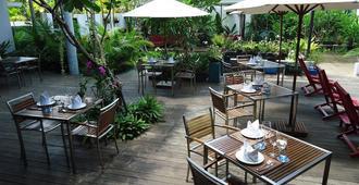MEN's Resort & Spa - Caters to Gay Men - סיאם ריפ - מסעדה