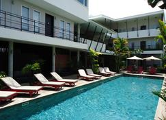 MEN's Resort & Spa - Caters to Gay Men - Siem Reap - Pool