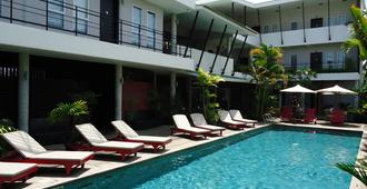 MEN's Resort & Spa - Caters to Gay Men - Siem Reap - Pool