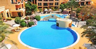 Novotel Bahrain Al Dana Resort - Manama - Bể bơi