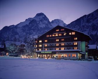 Bernerhof Swiss Quality Hotel - Kandersteg - Building
