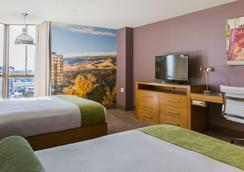 Whitney Peak Hotel - Reno - Bedroom