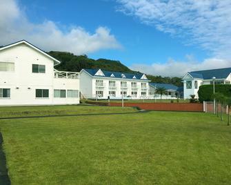 Hotel Kailani - Izu Ōshima - Building