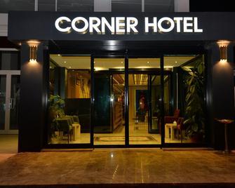 Corner Hotel Van - Van - Edificio