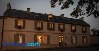 Le Petit Matin - Bayeux - Building