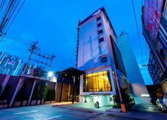 Mida Hotel Ngamwongwan - Mueang Nonthaburi - Rakennus