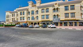Beach Hotel Apartment - Dubai - Building