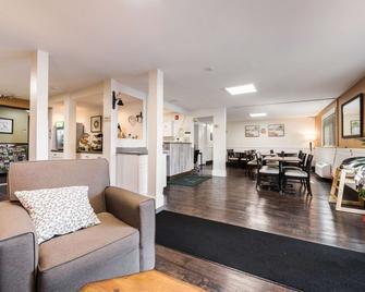 Quality Inn and Suites Silverdale Bangor-Keyport - Silverdale - Lobby