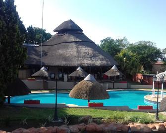 Beverley Hills Lodge - Johannesburg - Pool
