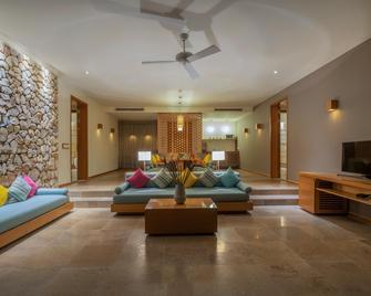 Mia Resort Nha Trang - Nha Trang - Living room